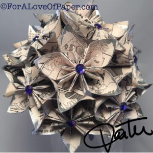 Paper flower bouquet made from manga